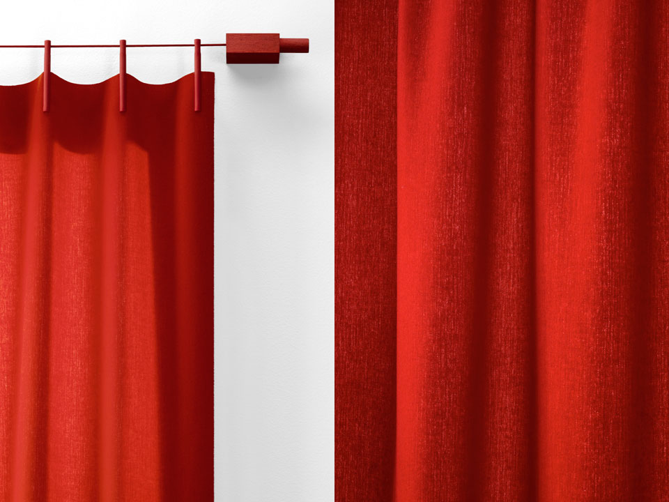 Ready Made Curtains (Woollen) von Kvadrat in Rot (Farbe 610) Artikelbild