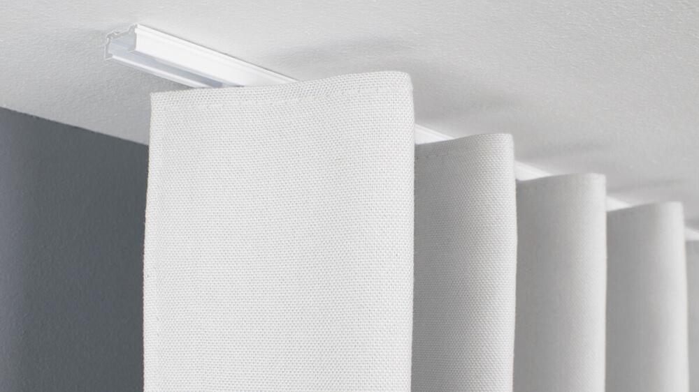 Einläufige Deckenschiene mit simpler Montage – hier online kaufen