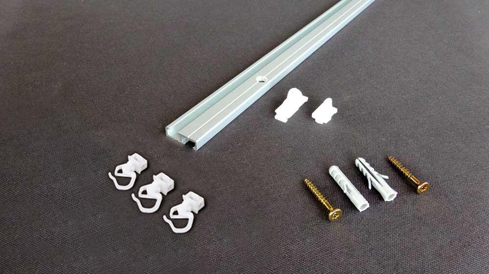 7mm hohe Deckenschiene zum Aufschrauben Modell 876 Artikelbild